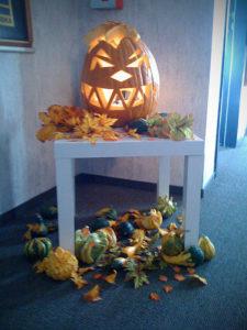 Kürbis an Halloween in der Agentur